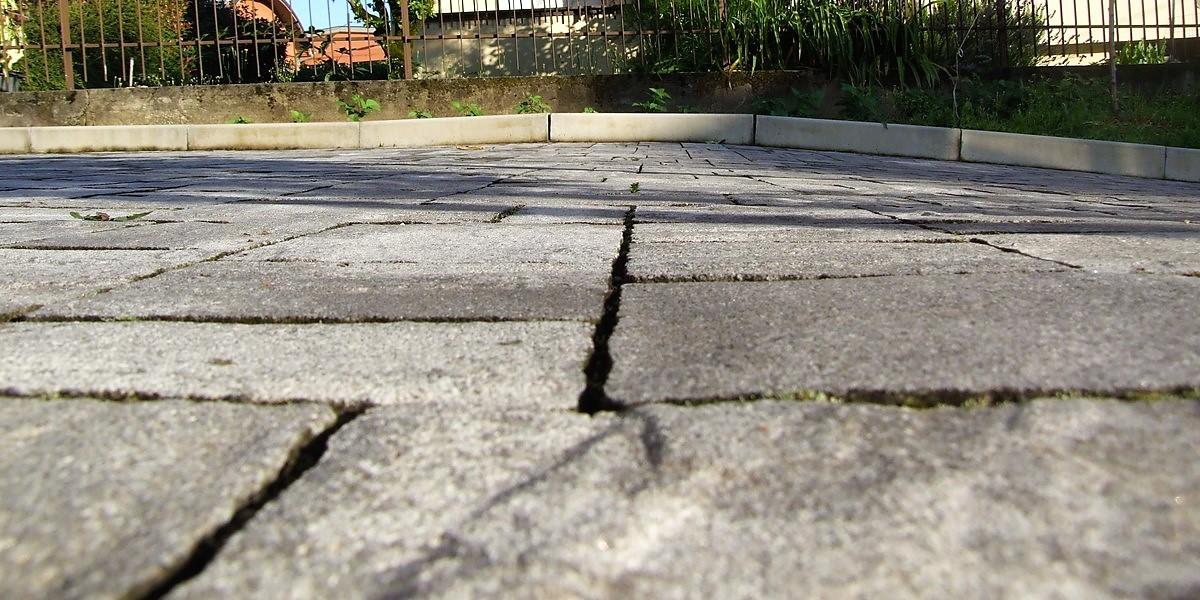 Pavimento esterno per il parcheggio